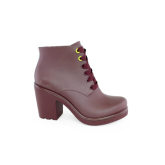 Women's boots Ale deep red color